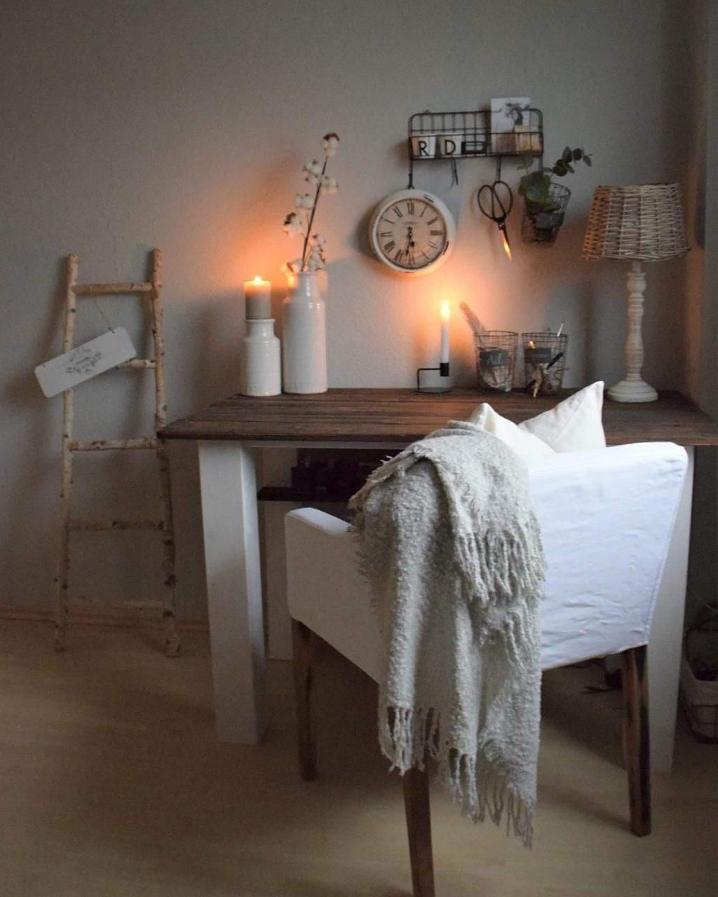 DIY Schreibtisch aus alten Zaunbrettern