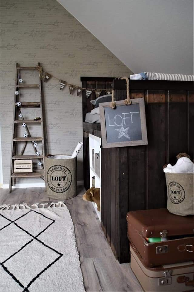 DIY rustikales Kinderbett