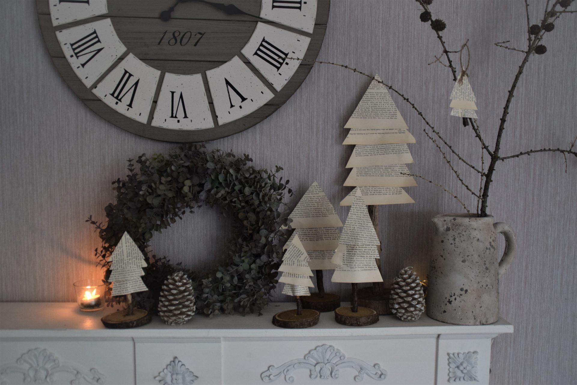 DIY Papierbaum aus Buchseiten