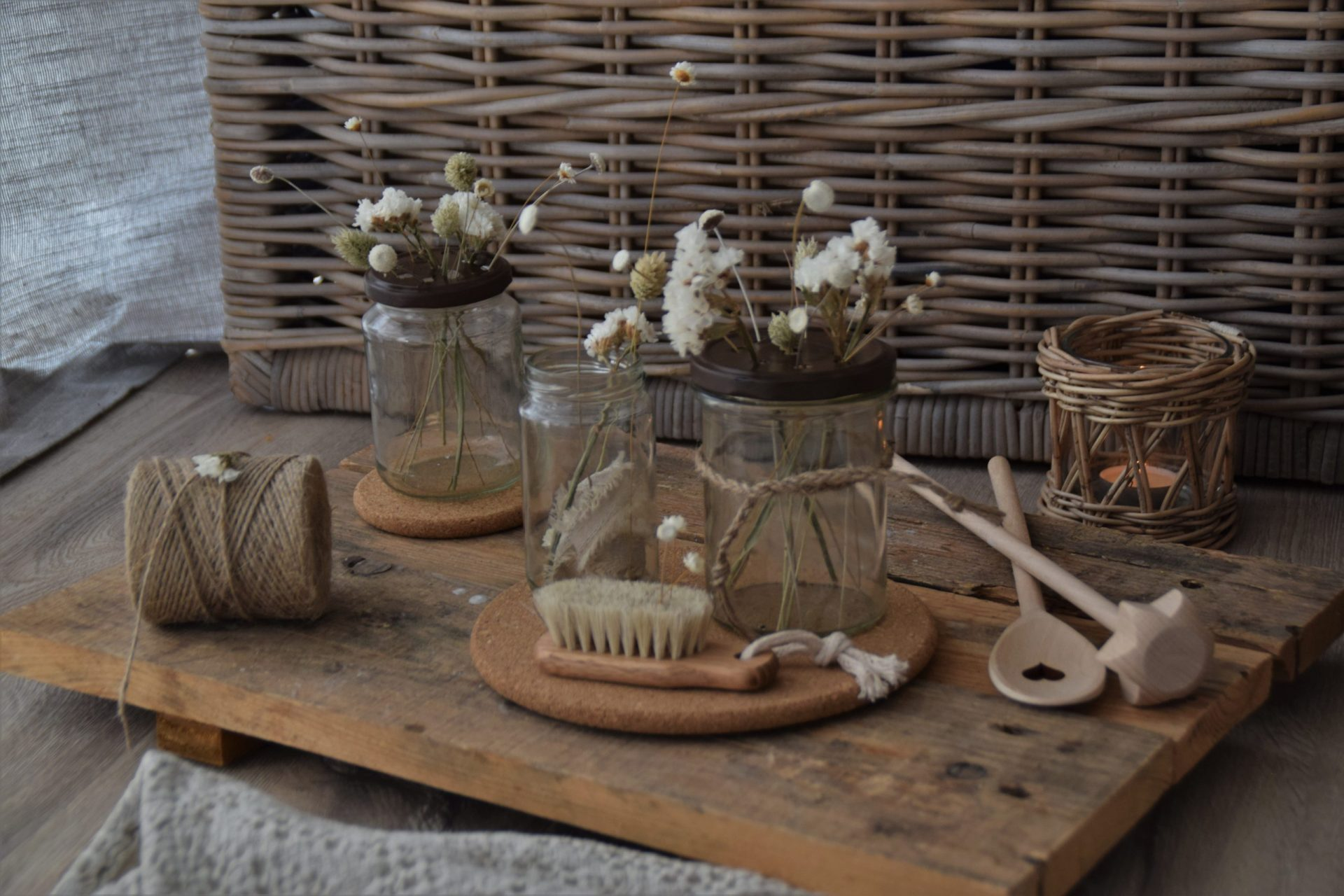 DIY Konservenglas mit Vasenhelfer