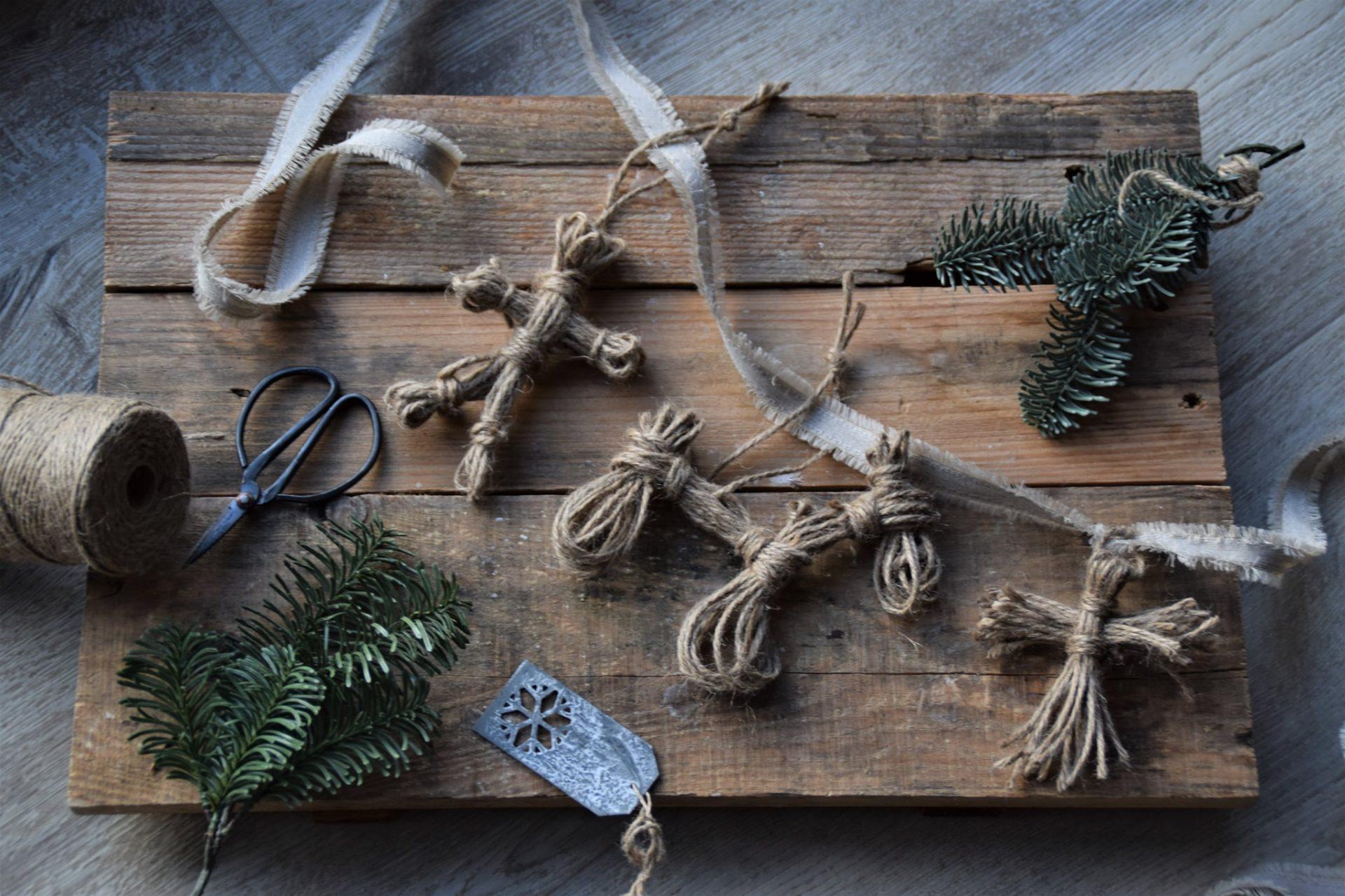 Strick-Anhänger zu Weihnachten